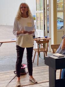 Dr. Ingrid Puschautz — Meidl bei der Probe des Landeschors